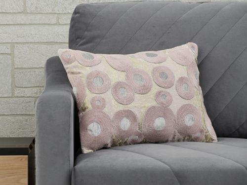 Декоративная подушка в кружок