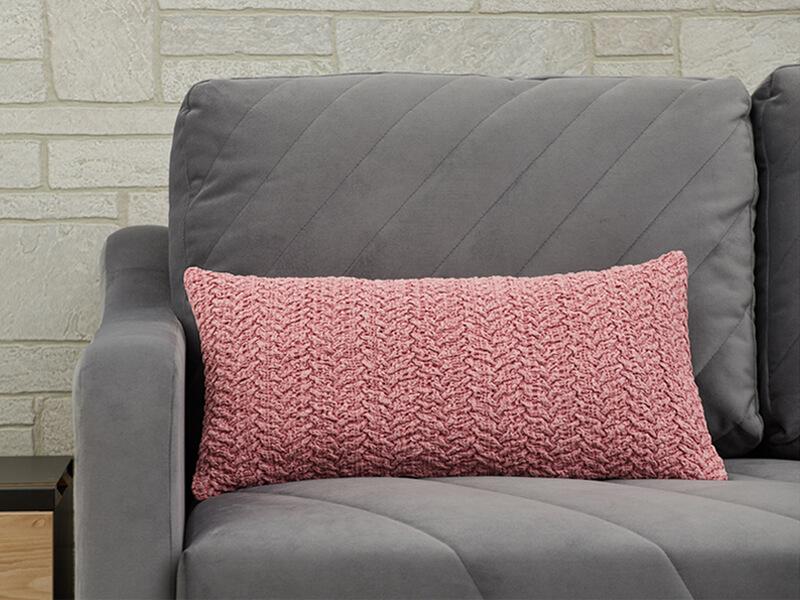 Декоративная подушка розовая вязанная